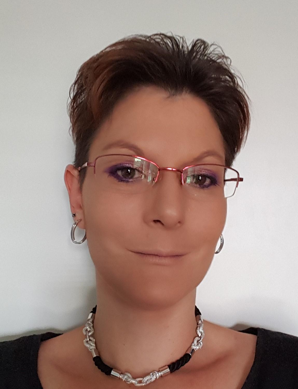 cv web de fanny cerutti-blanc da camara - assitante en pharmacie